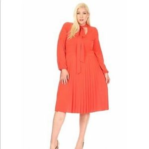 A-line, midi dress in relaxed fit PLUS SIZE skirt